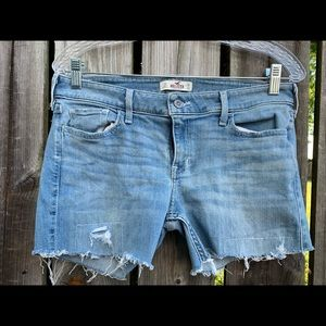 "Hollister ""Cut Off Jeans"" Shorts"